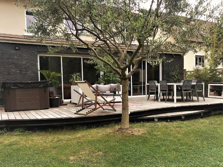 Terrasse bois à structure métallique