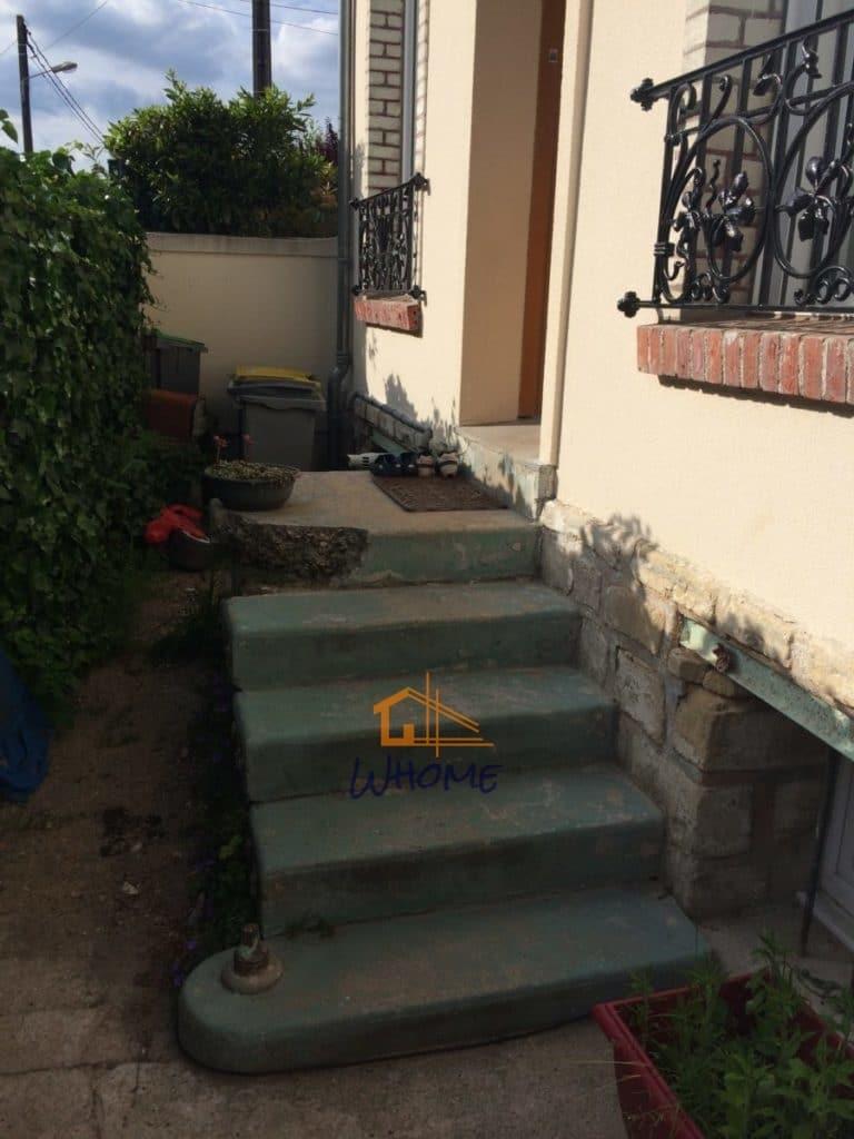 Escalier Val D Oise rénovation entrée d'une maison de caractère - whome