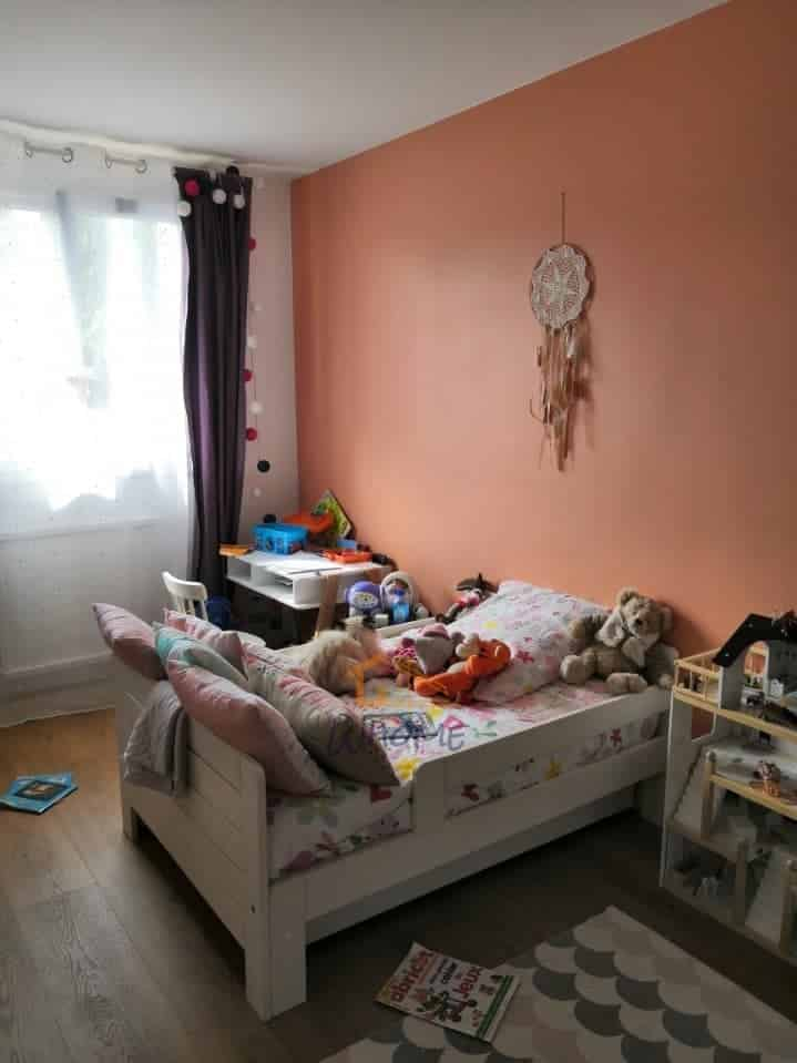 whome-renovation-chambre-enfant-peinture-sol-yvelines